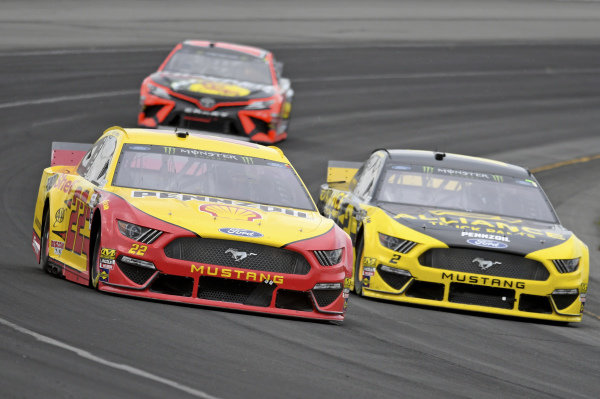 #22: Joey Logano, Team Penske, Ford Mustang Shell Pennzoil, #2: Brad Keselowski, Team Penske, Ford Mustang Alliance Truck Parts