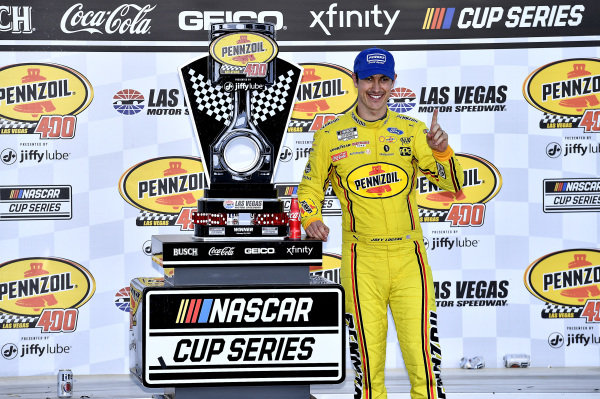 #22: Joey Logano, Team Penske, Ford Mustang Pennzoil wins