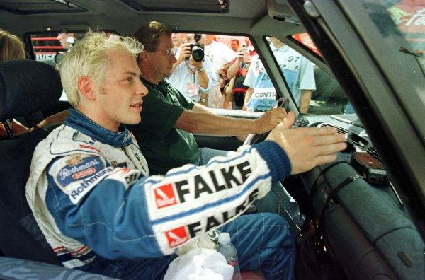 1997 Belgian Grand Prix.Spa-Francorchamps, Belgium.22-24 August 1997.Jacques Villeneuve (Williams Renault).World Copyright - Leicester/LAT Photographic