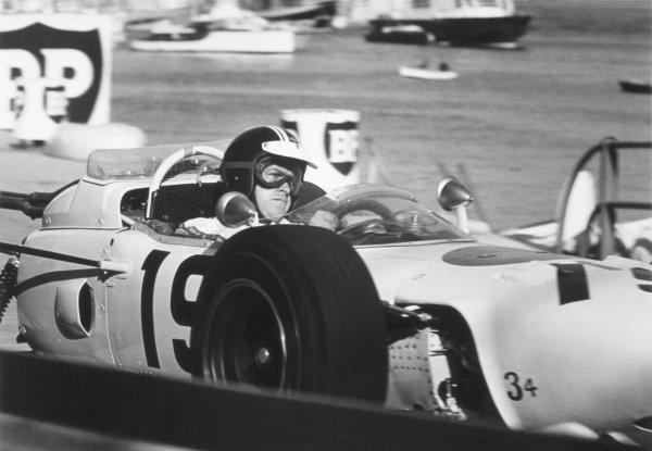 1965 Monaco Grand Prix.Monte Carlo, Monaco. 28-30 May 1965.Ronnie Bucknum, Honda RA272, retired, action.World Copyright - LAT PhotographicRef: 156H#20