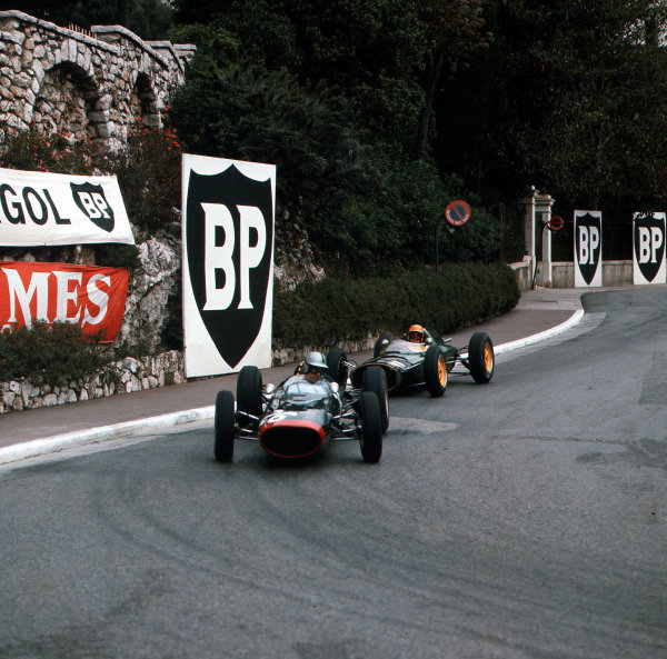 Monte Carlo, Monaco.31/5-3/6 1962.Roy Salvadori (Lola Mk4 Climax) leads Trevor Taylor (Lotus 24 Climax).Ref-3/0491.World Copyright - LAT Photographic