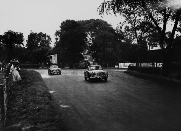 Dundrod, Northern Ireland. 16th September 1950.Reg Parnell (Aston Martin DB2), 4th position leads Lance Macklin (Aston Martin DB2), 8th postion, action.World Copyright: LAT PhotographicRef: Autocar Glass Plate C27789