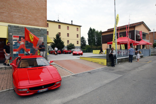 www.pushstart.it Ferrari test drive experiences.
