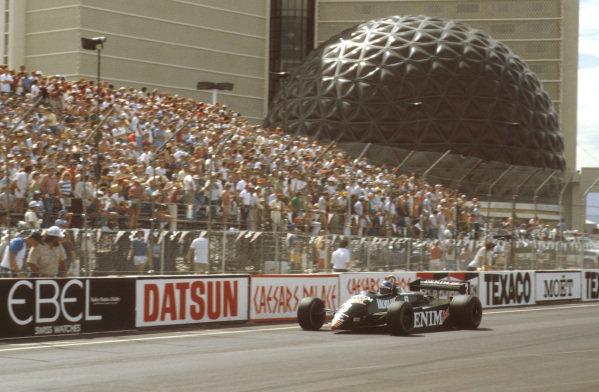 Las Vegas, Nevada, USA.23-25 September 1982.Michele Alboreto (Tyrrell 011 Ford) 1st position.Ref-82 LV 13.World Copyright - LAT Photographic
