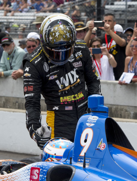 Sage Karam, Dreyer & Reinbold Racing Chevrolet, congratulates Scott Dixon, Chip Ganassi Racing Honda, after Dixon wins round in pit stop competition