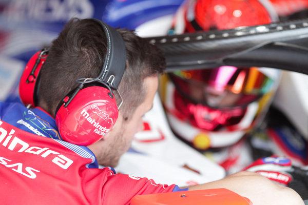 Mechanic talks Pascal Wehrlein (DEU), Mahindra Racing, M5 Electro