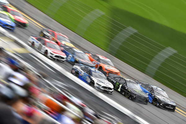 #36: David Ragan, Front Row Motorsports, Ford Mustang Select Blinds,  #1: Kurt Busch, Chip Ganassi Racing, Chevrolet Camaro Monster Energy and #6: Ryan Newman, Roush Fenway Racing, Ford Mustang Kohler Generators