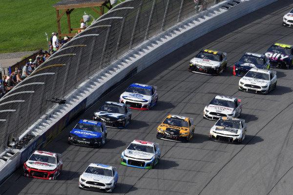 #13: Ty Dillon, Germain Racing, Chevrolet Camaro K&L Ready Mix and #6: Ryan Newman, Roush Fenway Racing, Ford Mustang Wyndham Rewards