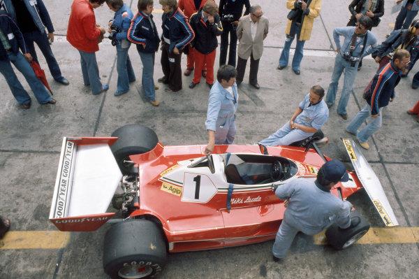 1976 German Grand Prix Nurburgring, Germany. 1 August 1976 Niki Lauda (Ferrari 312T2).World Copyright - LAT Photographic