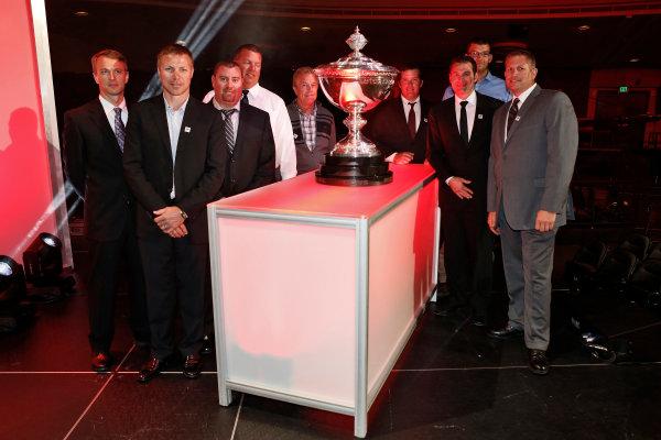 31 August, 2015, San Francisco, California USA Scott Dixon's crew pose with the Astor Challenge Cup ?2015, Phillip Abbott LAT Photo USA