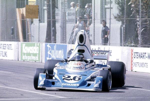 Long Beach, California, USA. 28 March 1976.Jacques Laffite, Ligier JS5-Matra, 4th position.World Copyright: LAT Photographic.Ref-35mm Image