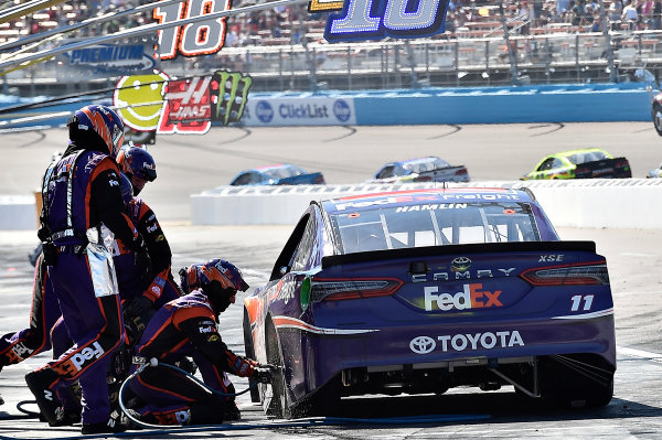 2017 Monster Energy NASCAR Cup Series Camping World 500 Phoenix International Raceway, Avondale, AZ USA Sunday 19 March 2017 Denny Hamlin, FedEx Freight Toyota Camry World Copyright: Rusty Jarrett/LAT Images ref: Digital Image 17PHX1rj_3043