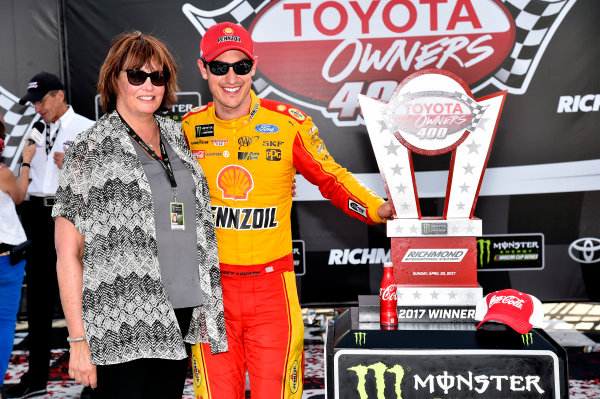 Monster Energy NASCAR Cup Series Toyota Owners 400 Richmond International Raceway, Richmond, VA USA Sunday 30 April 2017 Joey Logano, Team Penske, Shell Pennzoil Ford Fusion wins. World Copyright: Rusty Jarrett LAT Images ref: Digital Image 17RIC1rj_4477