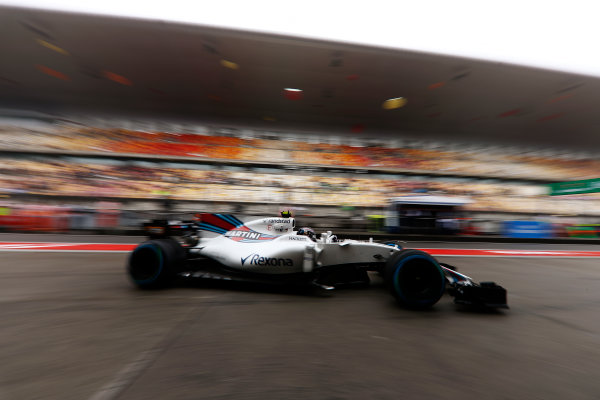 Shanghai International Circuit, Shanghai, China.  Friday 07 April 2017.  Lance Stroll, Williams FW40 Mercedes, in the pit lane. World Copyright: Glenn Dunbar/LAT Images  ref: Digital Image _31I3463
