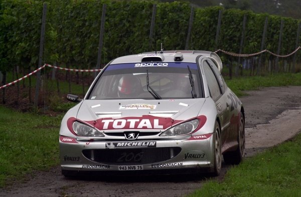 Richard Burns (GBR) / Robert Reid (GBR) Peugeot 206 WRC.World Rally Championship, Rd10, Shakedown, ADAC Rallye Deutschland, Trier, Germany. 22 August 2002.DIGITAL IMAGE