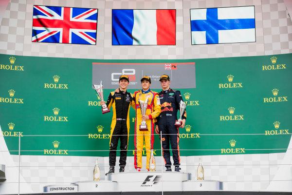 2017 GP3 Series Round 3.  Silverstone, Northamptonshire, UK. Sunday 16 July 2017. Jack Aitken (GBR, ART Grand Prix),Giuliano Alesi (FRA, Trident),Niko Kari (FIN, Arden International).  Photo: Zak Mauger/GP3 Series Media Service. ref: Digital Image _56I0223