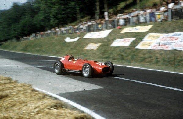 1957 French Grand Prix.Rouen-Les-Essarts, France.5-7 July 1957.Peter Collins (Lancia-Ferrari D50 801) 3rd position.Ref-57 FRA 05.World Copyright - LAT Photographic