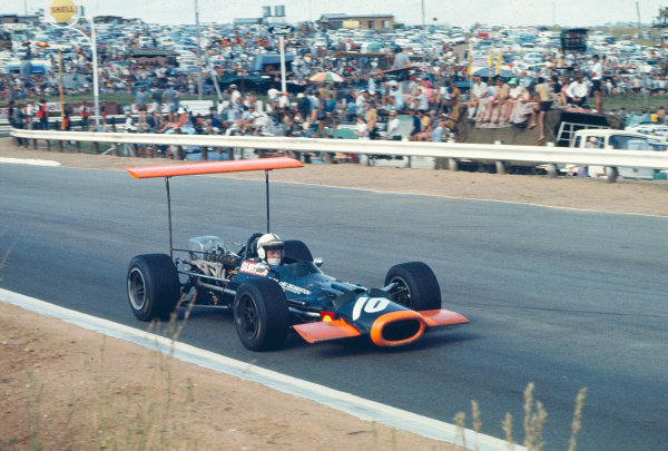 1969 South African Grand Prix.Kyalami, South Africa.27/2-1/3 1969.John Surtees (BRM P138).Ref-69 SA 90.World Copyright - LAT Photographic