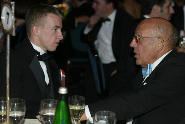 2003 AUTOSPORT AWARDS, The Grosvenor, London. 7th December 2003.Stirling Moss imparts a wealth of advice.Photo: Peter Spinney/LAT PhotographicRef: Digital Image only