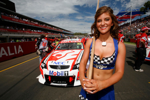 Clipsal 500, Adelaide Street Circuit.Australia. 19th - 22nd March 2009Race 1 grid activity during the Clipsal 500, Event 01 of the Australian V8 Supercar Championship Series at the Adelaide Street Circuit, Adelaide, South Australia, Saturday, March 21, 2009.World Copyright: Mark Horsburgh/LAT Photographicref: Digital Image V8_Clipsal500_092397