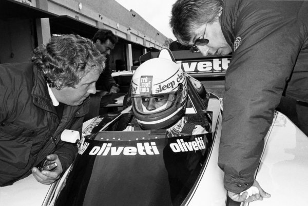 1985 Formula One Testing.Estoril, Portugal 1985.Willy T. Ribbs (Brabham BT54) with Herbie Blash and Charlie Whiting, portrait.Ref-B/W Print Only.World Copyright - LAT Photographic