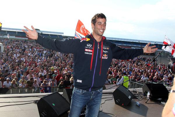 2014 FIA Formula One World Championship Silverstone, Northamptonshire, England. Sunday 6 July 2014 Daniel Ricciardo, Red Bull Racing World Copyright: Jakob Ebrey/LAT Photographic.