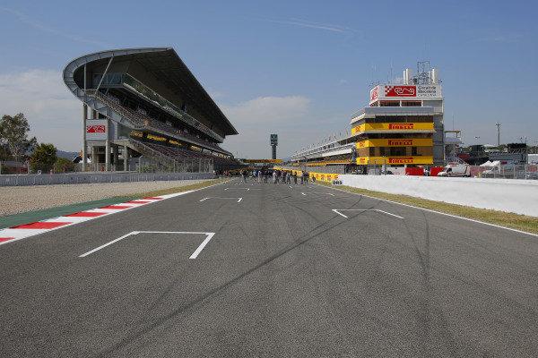 Main straight. Formula One World Championship, Rd5, Spanish Grand Prix, Preparations, Barcelona, Spain, Thursday 8 May 2014.