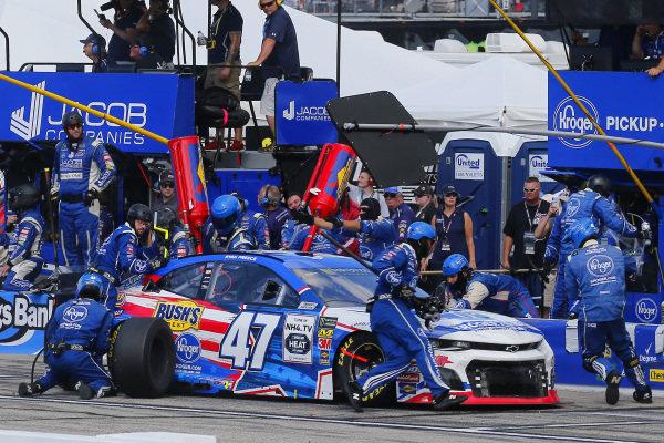 #47: Ryan Preece, JTG Daugherty Racing, Chevrolet Camaro Kroger pit stop