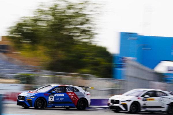 Alice Powell (GBR), Jaguar Ran Racing eTROPHY Team Germany leads Abbie Eaton (GBR), Jaguar VIP car