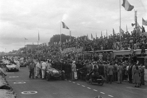 Sidney Allard / Tom Cole Jr, S.H. Allard , Allard J2 - Cadillac, by the pits.