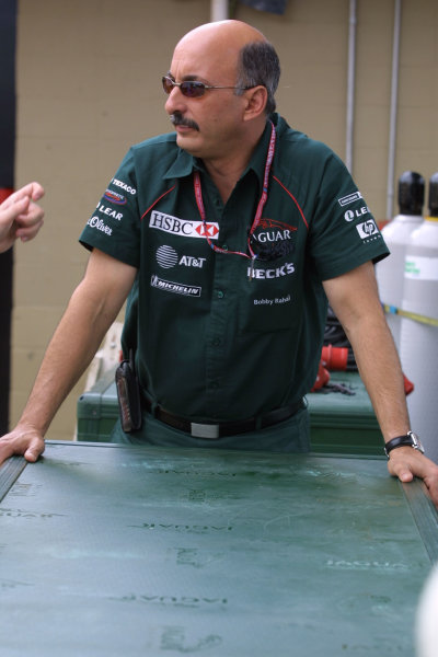2001 Brazilian Grand Prix.Interlagos, Sao Paulo, Brazil. 30/3-1/4 2001.Jaguar Racing C.E O. Bobby Rahal.World Copyright - Bellanca/LAT Photographicref: 8 9 MB Digital
