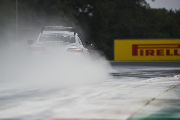 Safety Car drives through cement dust from the oil spill in the F2 race