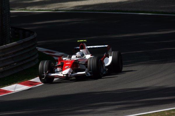 2007 Italian Grand Prix - Friday PracticeAutodromo di Monza, Monza, Italy.7th September 2007.Jarno Trulli, Toyota TF107. Action. World Copyright: Steven Tee/LAT Photographicref: Digital Image YY2Z8322