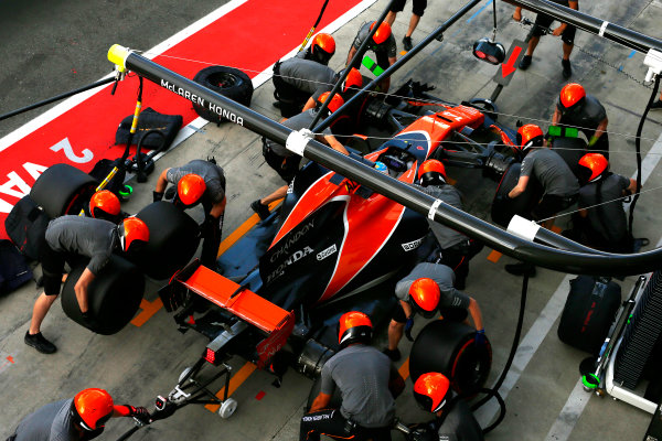 Autodromo Nazionale di Monza, Italy. Friday 01 September 2017. Fernando Alonso, McLaren MCL32, practices a pitstop. World Copyright: Andy Hone/LAT Images  ref: Digital Image _ONZ1706