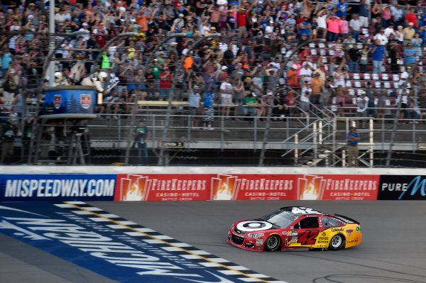 Monster Energy NASCAR Cup Series FireKeepers Casino 400 Michigan International Speedway, Brooklyn, MI USA Sunday 18 June 2017 Kyle Larson, Chip Ganassi Racing, Cars 3 Target Chevrolet SS takes the checkered flag and the win World Copyright: Nigel Kinrade LAT Images