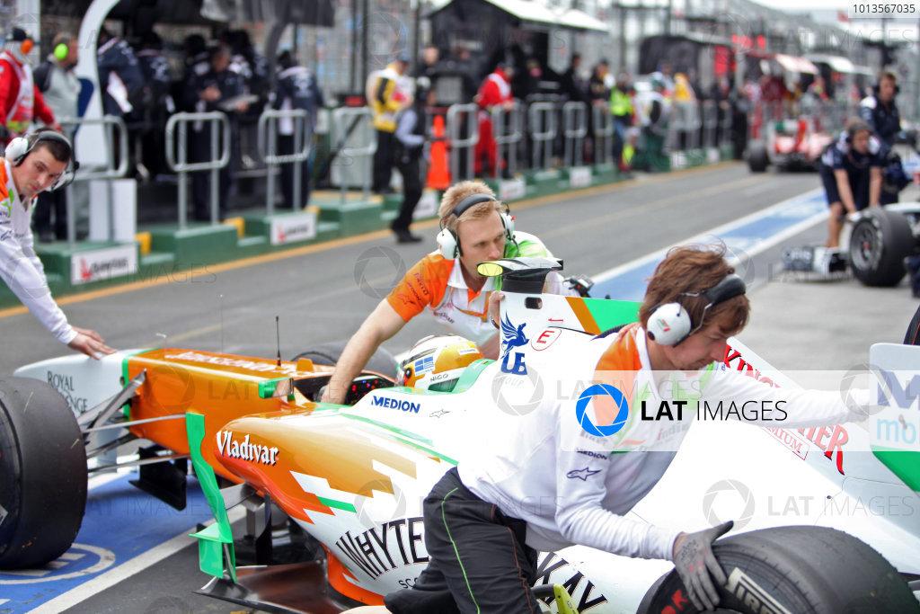 Albert Park, Melbourne, Australia25th March 2011.Nico Hulkenberg, Force India VJM04 Mercedes, returns to the garage. Portrait. Technical. World Copyright: Andrew Ferraro/LAT Photographicref: Digital Image