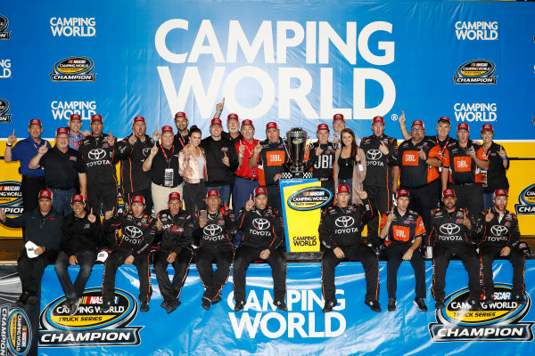 NASCAR Camping World Truck Series Ford EcoBoost 200 Homestead-Miami Speedway, Homestead, FL USA Friday 17 November 2017 Champion Christopher Bell, JBL Toyota Tundra with team and Toyota personnel World Copyright: Michael L. Levitt LAT Images