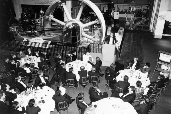 1988 Autosport Awards. Science Museum, London, 5th January 1989. Simon Turner presents the evening as the guests sit at their tables. World Copyright: LAT Photographic. Ref: B/W Print.