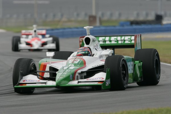 DAYTONA INTERNATIONAL SPEEDWAY, SEPT. 27, 2006,  DAYTONA BEACH, FL,, TONY KANAAN, AGR-No. 11 Team 7-Eleven Dallara/Honda Leads Sam Hornish, Jr in hsi . No. 6 Marlboro Team Penske Dallara/Honda