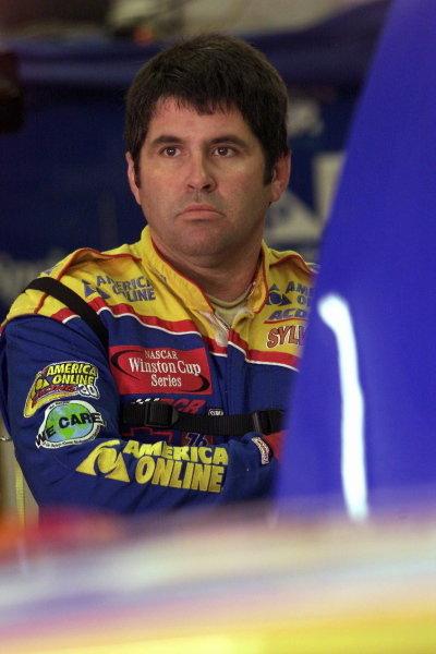 Jeff Green (USA) America Online Chevrolet finished thirty-fourth. NASCAR Winston Cup Series, NAPA 500, Atlanta, USA, 17 November 2001.DIGITAL IMAGE