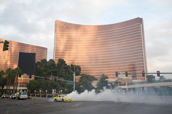 3-5 December, 2014, Las Vegas, Nevada USA Matt Kenseth burnout ©2014, Michael L. Levitt LAT Photo USA