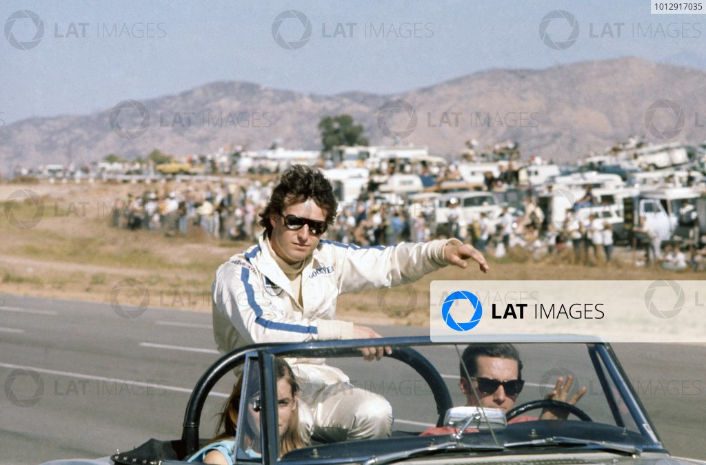 1970 Can-Am Challenge Cup.CanAm race. Riverside, California, United States (USA). 1 November 1970.Jackie Oliver (Bryant Ti22 Mk2-Chevrolet), 2nd position. Portrait, driver parade.World Copyright: LAT PhotographicRef: 35mm transparency 70CANAM31