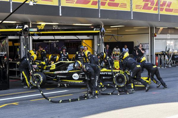 The damaged car of Daniel Ricciardo, Renault R.S.19 retiring from the race