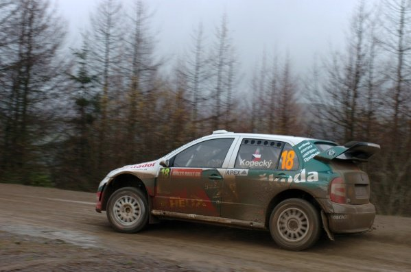 Jan Kopecky (CZE) in action on Stage 1. Wales Rally GB Day 1, Cardiff, Wales. 1 December 2006. DIGITAL IMAGE
