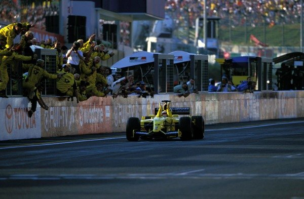 Takuma Sato (JPN) Jordan Honda EJ12 celebrates his first F1 points with a superb fifth place finish in his home GP.