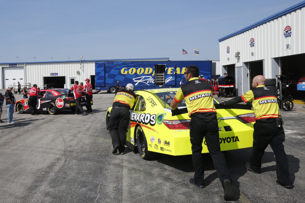#19: Brandon Jones, Joe Gibbs Racing, Toyota Camry Toyota Menards NRG