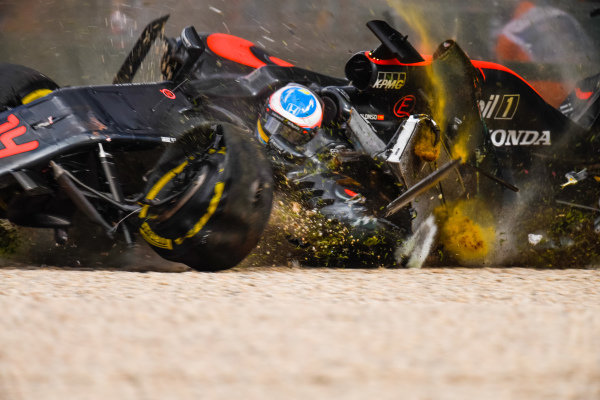 Fernando Alonso (ESP) McLaren MP4-31 crashes at Formula One World Championship, Rd1, Australian Grand Prix, Race, Albert Park, Melbourne, Australia, Sunday 20 March 2016. BEST IMAGE