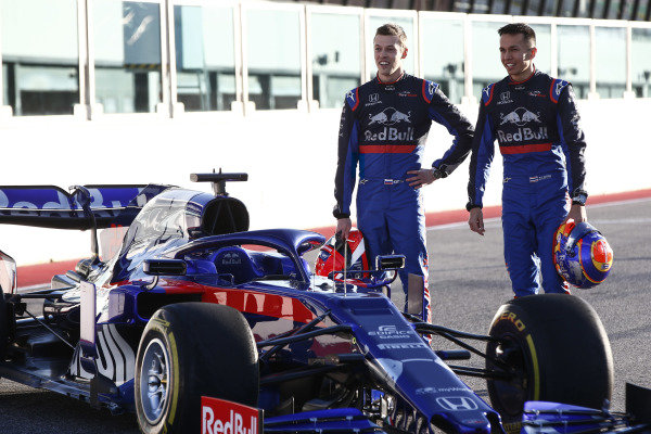 Alexander Albon, Scuderia Toro Rosso STR14 andDaniil Kvyat, Toro Roso STR14