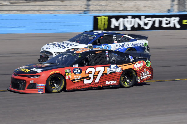 #37: Chris Buescher, JTG Daugherty Racing, Chevrolet Camaro Kroger Flavor Fill Up, #38: David Ragan, Front Row Motorsports, Ford Mustang Select Blinds