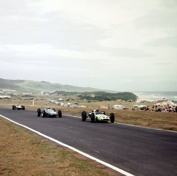 East London, South Africa.27-29 December 1962.Innes Ireland (Lotus 24 Climax) leads Jack Brabham (Brabham BT3 Climax) and Trevor Taylor (Lotus 25 Climax). Brabham and Ireland finished in 4th and 5th positions respectively.Ref-3/0741.World Copyright - LAT Photographic